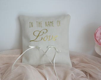"Pillow wedding ring pillow wedding - white cotton - word ""love In the name of"" Golden"