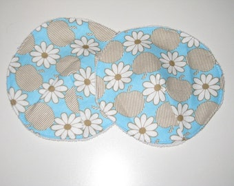 100% organic washable nursing pads with PUL daisies