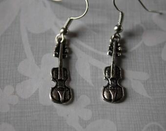 silver metal pierced earrings: violin /earrings