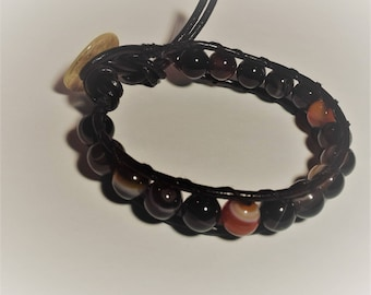 Mens bracelet black red zoned agate with mother of Pearl button and leather