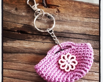"""Keychain jewelry bag """"p' little bag"""" Purple crochet and button flower"""