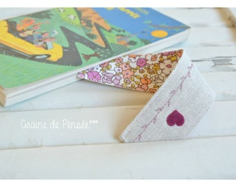 Linen and cotton heart and flowers to personalize bookmark