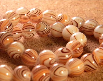 20 beads in striped - Brown and beige glass - 8 mm - PE83