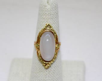 Antique Victorian Era Cabochon 14K Yellow Gold and Moonstone Ring