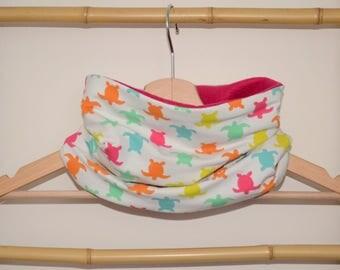 Neck circumference, snood, scarf, baby and child Ecru turtles, raspberry fleece Interior