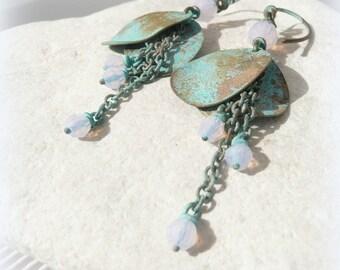 """""""Petal Bohemian"""" - Opal pink Swarovski beads earrings - brass"""