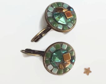 Earrings sleepers gold metal and green bronze round mosaic