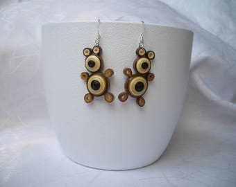 Teddy bear paper earrings, quilling