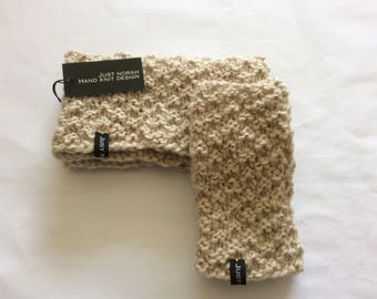Ladies neck warmer and fingerless gloves