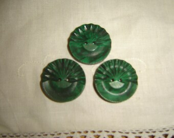 3 vintage green buttons / / 26 mm