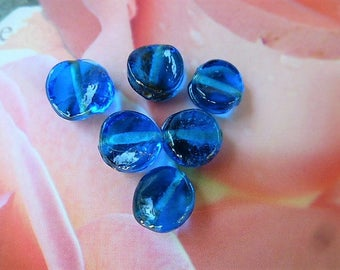6 beads chip's ultramarine blue pucks in Czech glass 8-10 mm for jewelry creations, crafts, hobby, and decoration.