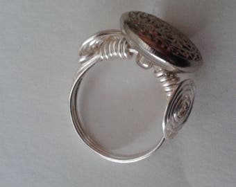 Button wire rings:  buttons will vary, send one