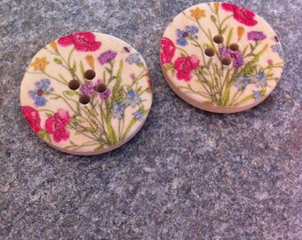 5 wooden buttons, with flowers of fields, 30 mm 4 hole pattern