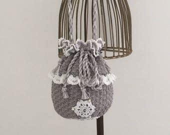 Gray pouch/beaded white Mercerized cotton