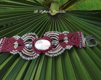 The Queen cabochon micro macrame bracelet