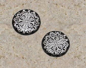 2 round cabochon 20 mm resin silver filigree