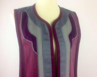 Vintage 1970s G Girvin Seattle Long Art Vest - Raspberry brushed canvas w/ appliqués & pockets - Vintage 1970s hippie vest, art clothing