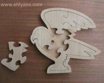 Blank wooden Eagle on fretwork tray puzzle