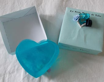 SOAP heart monoi in its case