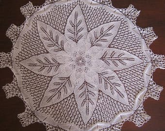 Doily embroidered very finely needle (N14)