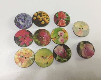 Set of 11 buttons wood
