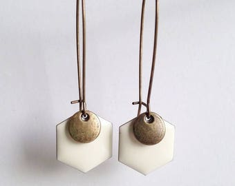 Earrings - geometric - white