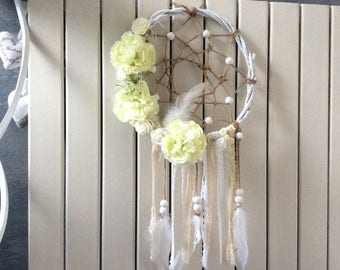 Dream catcher with its roses and lace