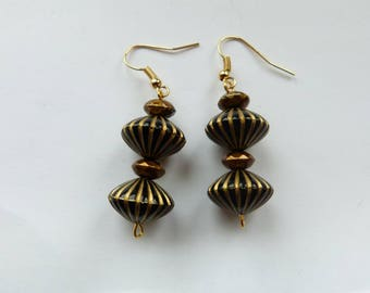 Black and gold dangle earrings, Black and gold dangly earrings