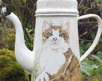 Vintage: old coffee pot with filter painted Freehand * adorable cat *.