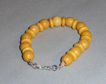 Bracelet yellow wood beads