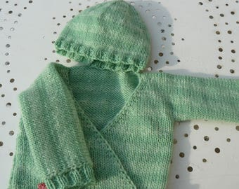 bra and 0/3 month baby Hat set