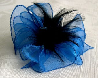 Flower brooch in blue organza, feathers and beads