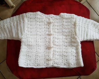 White cardigan t. 3 months in the hook