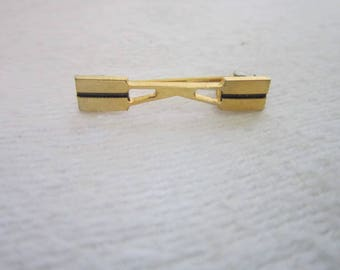 "Vintage Gold Tone Monogram  "" K ""  Brooch Pin"