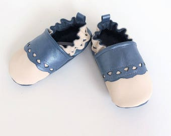 SOFT leather baby BOOTIES has elastic size 18-19 (6-12 months) Blue mother-of-Pearl and ecru