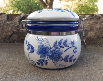 Blue and White Vintage Canister, Vintage Chinoserie, Ceramic Jar