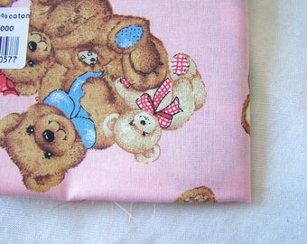 Fabric, cotton, Cubs amid pink (T - 30)