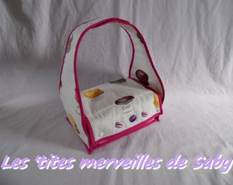 """lunch box bag has """"macaroon"""" meals"""