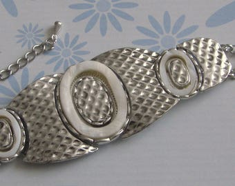 Vintage silver tone and pearl bracelet