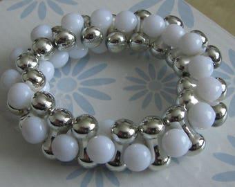 White silver beads elastic bracelet