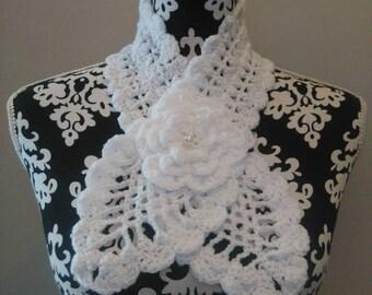 Crochet white neck.
