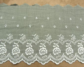 EMBROIDERY ANGLAISE-13 cm - grey