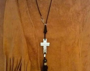 NECKLACE CHAIN AND CROSS