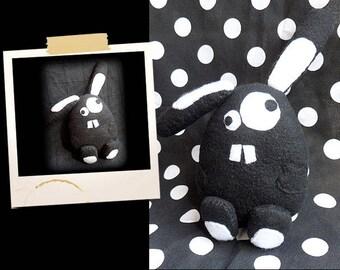 Plush black crazy rabbit APLUCHES