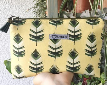 Cosmetic bag, vanity case Palm leaves