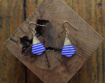 Nice pair of earrings made of resin decorated masking tape in Navy and gold finish gold filled 14 k