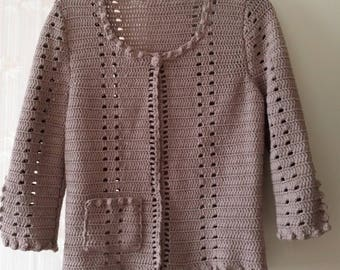 Crochet jacket taupe chic and eco-friendly