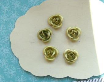 5 Green metal roses stretch 10mm diam.