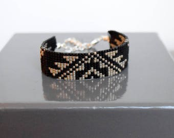 Bracelet weaved in pearls Miyuki Delicas black and chrome