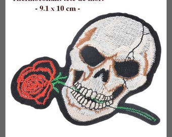 Large fusible applique for clothing, hat, etc. 9.1 x 10 cm, with red rose skull.